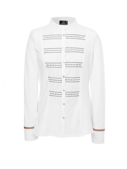 Camisa entallada con bordados