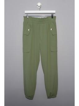 Pantalón liso con bolsillos