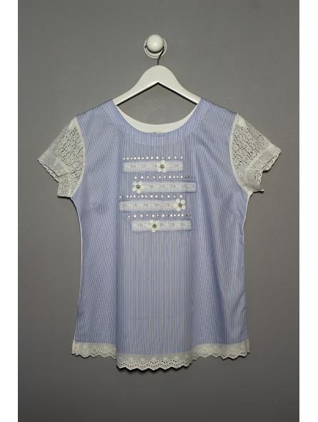 Camiseta rayas detalle puntilla
